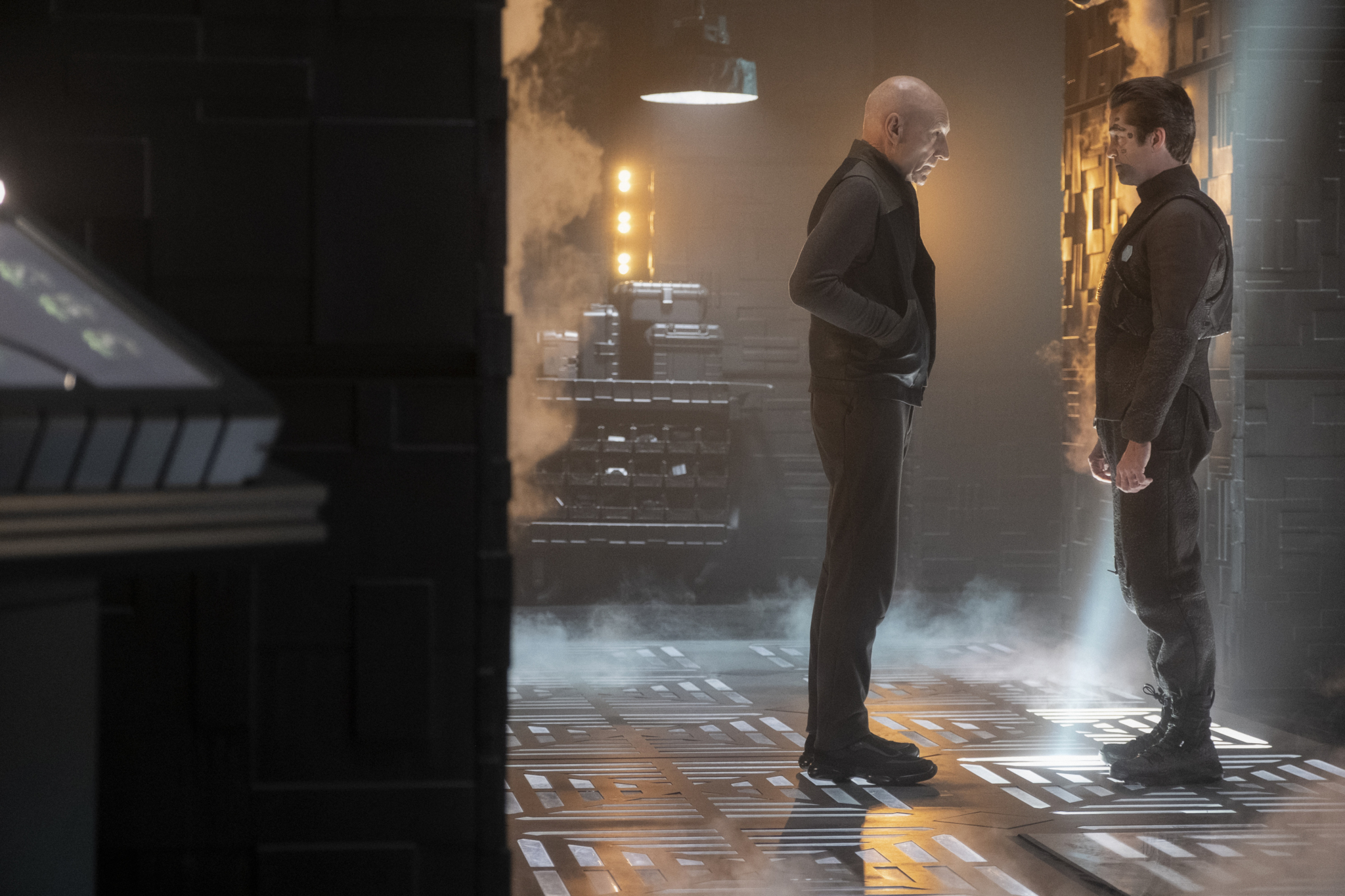 STAR TREK: PICARD Executive Producers Say Their Exciting New Series is Both Familiar and Fresh