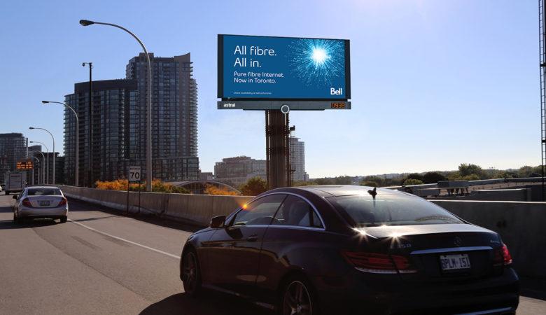Astral convertit deux nouveaux panneaux d'affichage au numérique près d'Exhibition Place à Toronto