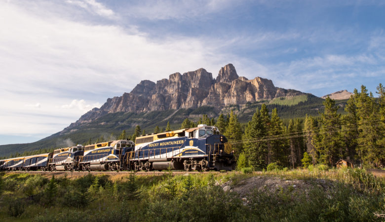 Discovery's MIGHTY TRAINS Returns for a Worldwide Journey Aboard the World's Most Famous Railways, Oct. 14